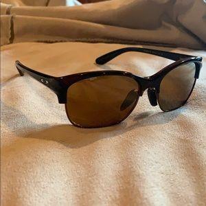 women's Oakley polarized sunglasses ☀️